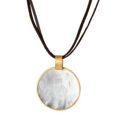 Necklace with pearl pendant