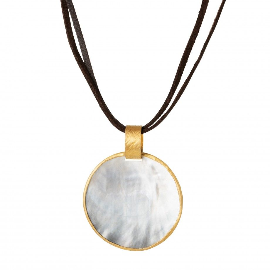 Necklace Medallion Pearl