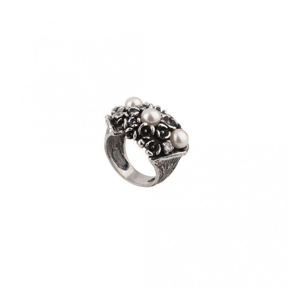 Ring Pearls Garden