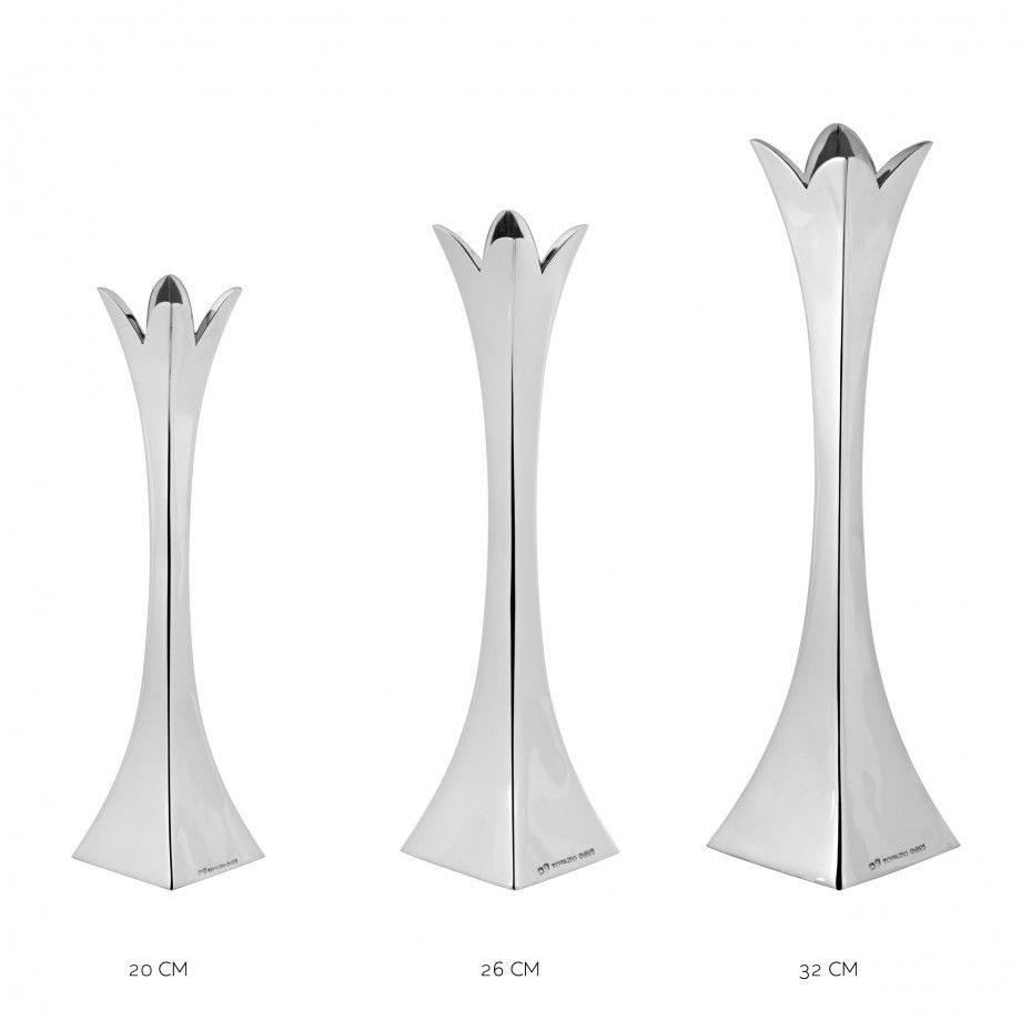 Solitaire Vase Bloom